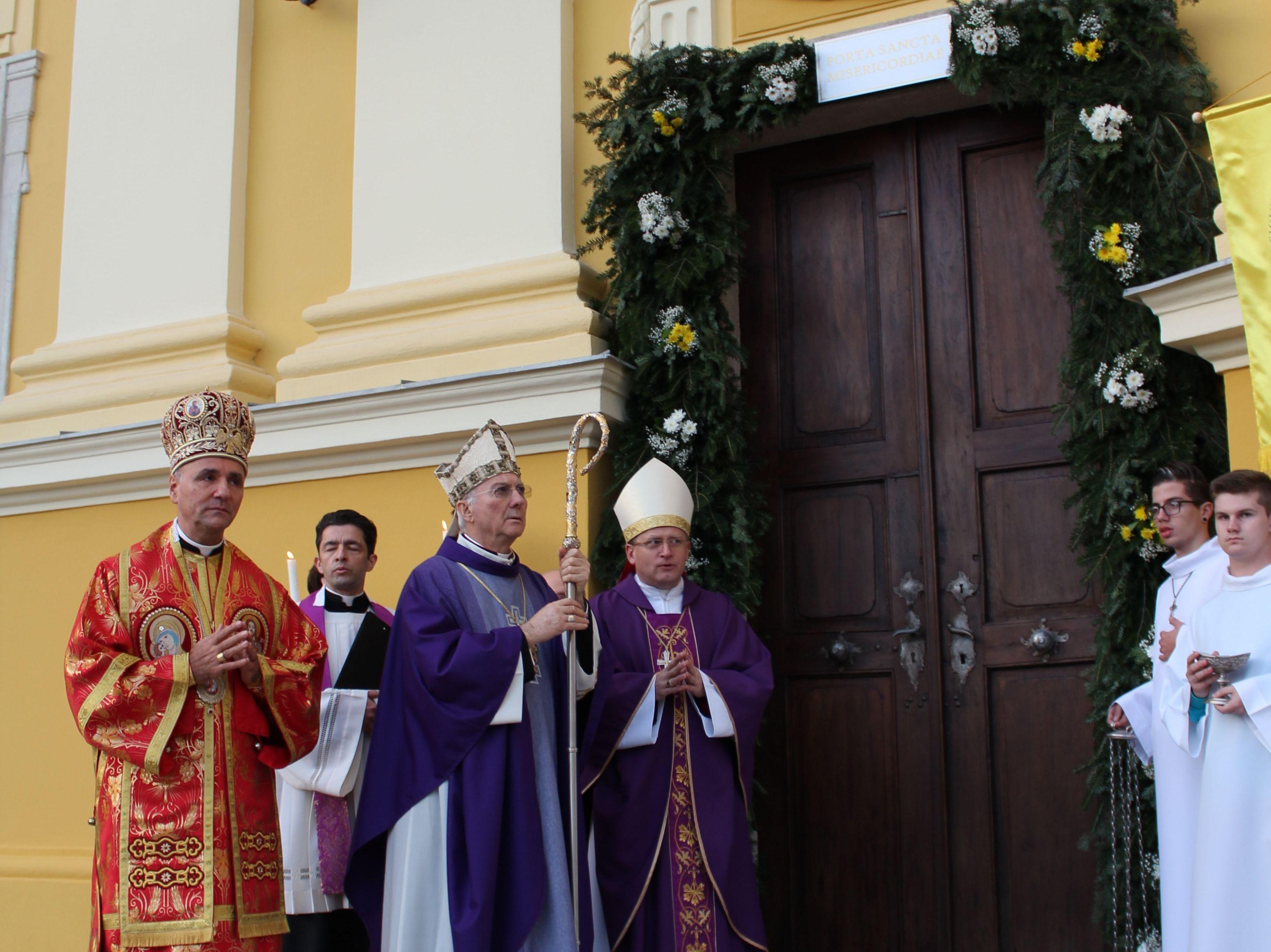 Megnyílt a Szent Kapu a Székesegyházban