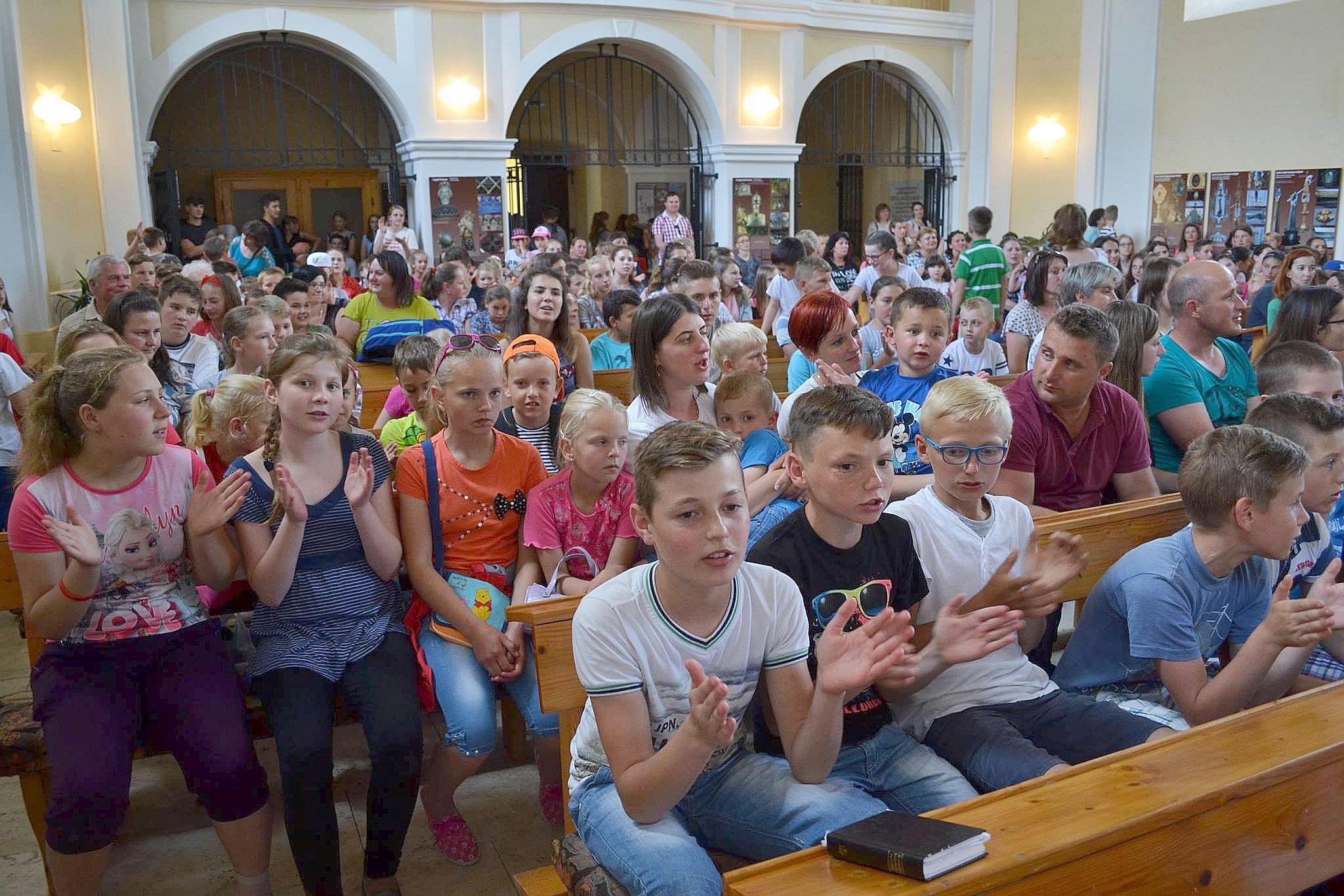 szlovak_fiatalok_var_1