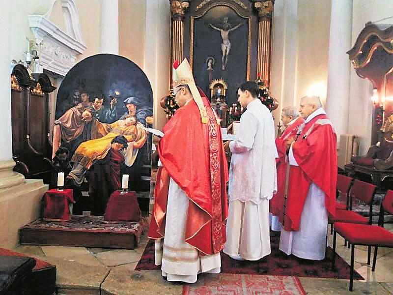 unnepi-szentmiset-tartottak-a-premontrei