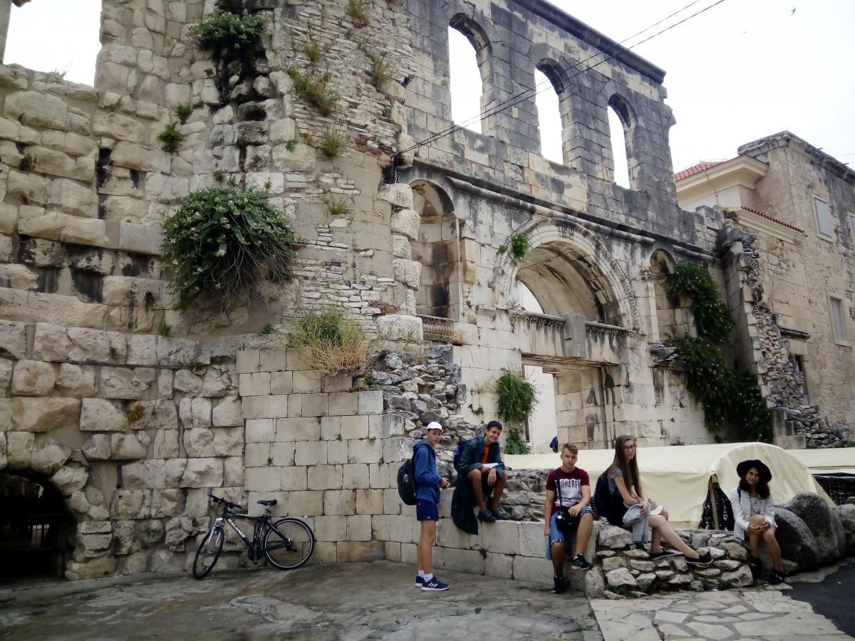 Diocletianus császár palotája előtt - Split